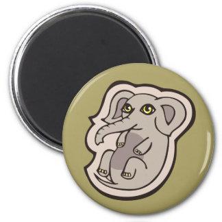 Diseño gris juguetón lindo del dibujo del elefante imán redondo 5 cm