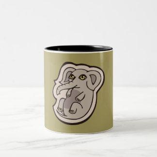 Diseño gris juguetón lindo del dibujo del elefante taza de café de dos colores