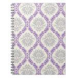 diseño gris y poner crema púrpura real del damasco libreta