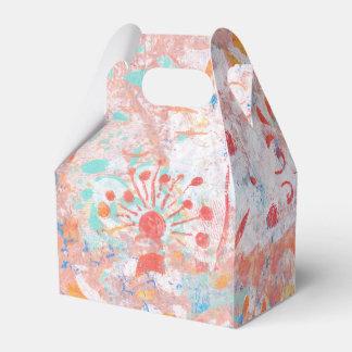 Diseño hecho a mano azul amarillo rojo de la cajas para regalos