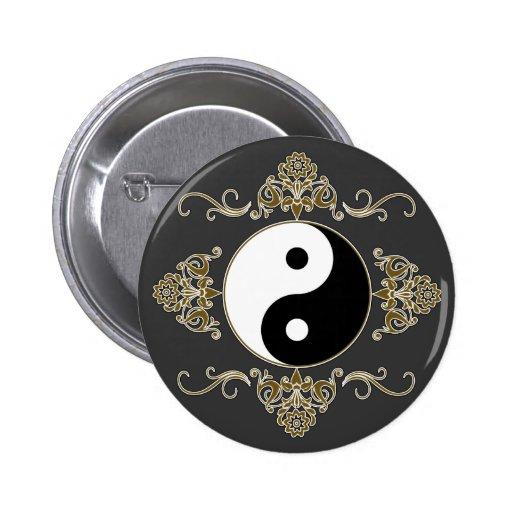 Diseño hermoso de Yin Yang en negro y oro Pin