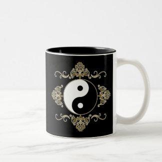 Diseño hermoso de Yin Yang en negro y oro Taza De Café De Dos Colores
