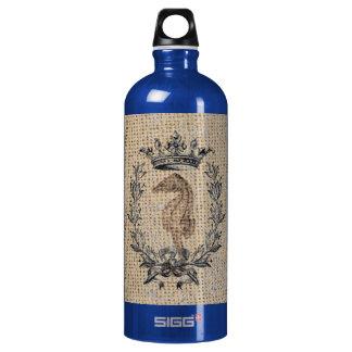 Diseño hermoso del seahorse en fondo de la botella de agua