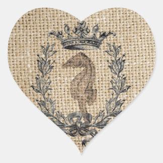 Diseño hermoso del seahorse en fondo de la pegatina en forma de corazón