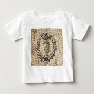 Diseño hermoso del seahorse en fondo de la playera de bebé