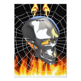 """Diseño humano 1 del cráneo del cromo con el fuego invitación 5"""" x 7"""""""