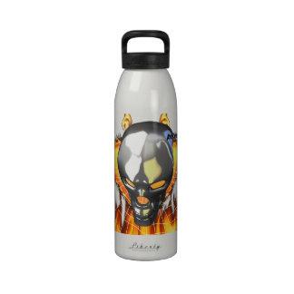 Diseño humano 2 del cráneo del cromo con el fuego  botellas de agua reutilizables
