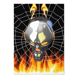"""Diseño humano 2 del cráneo del cromo con el fuego invitación 5"""" x 7"""""""