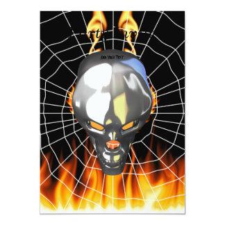 """Diseño humano 3 del cráneo del cromo con el fuego invitación 5"""" x 7"""""""