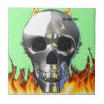 Diseño humano 4 del cráneo del cromo con el fuego  teja cerámica
