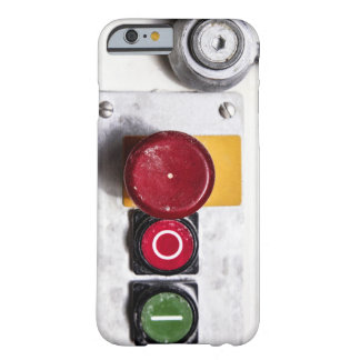 Diseño industrial del caso del iPhone 6 de los Funda Para iPhone 6 Barely There