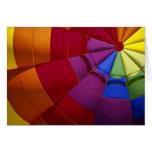 Diseño interior de globo inflado del aire caliente felicitación