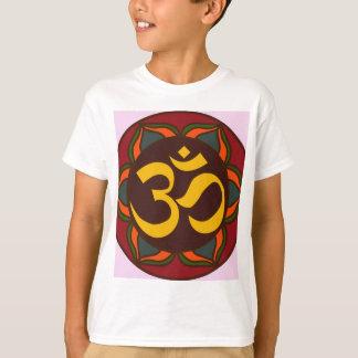 ¡Diseño interno de la paz del símbolo retro de OM! Playera