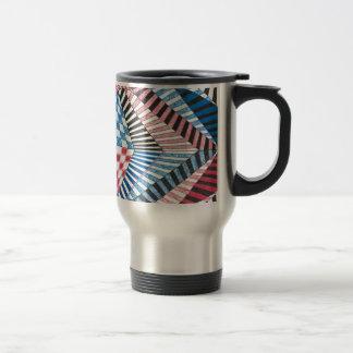 Diseño intrépido azul blanco rojo abstracto taza de viaje