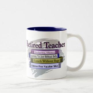 """Diseño jubilado de los libros del profesor """"pila taza dos tonos"""