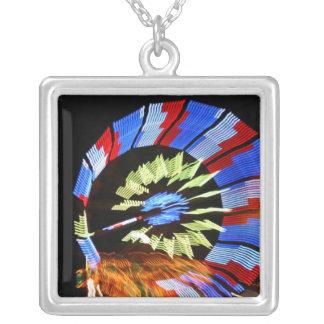 Diseño justo colorido del paseo, colores de neón colgante cuadrado