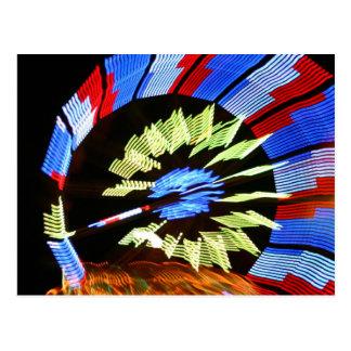 Diseño justo colorido del paseo, colores de neón tarjeta postal