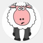 Diseño lindo de las ovejas pegatina redonda