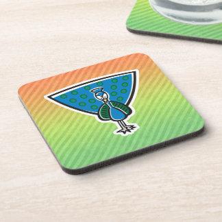Diseño lindo del pavo real posavasos