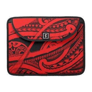 Diseño maorí coloreado hermoso del tatuaje de funda macbook pro