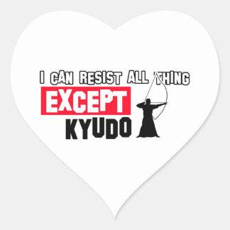 Diseño marcial de Kyudo Pegatina En Forma De Corazón