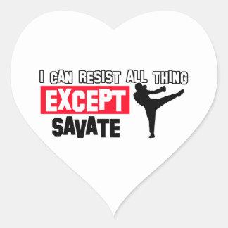 diseño marcial del savete pegatina en forma de corazón