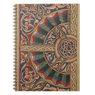 Diseño medieval céltico el en semi-círculo libreta