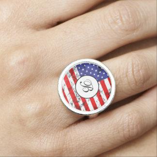 Diseño metálico 2 de la bandera americana anillos