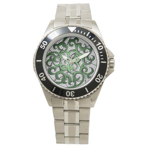 Diseño moderno en la joyería hermosa del reloj