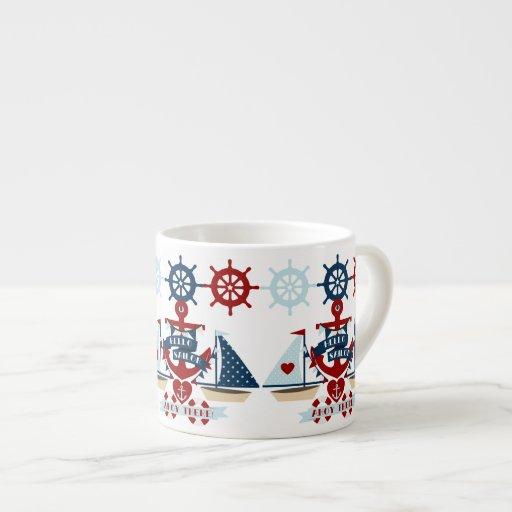 Diseño náutico del barco de vela del ancla del taza espresso