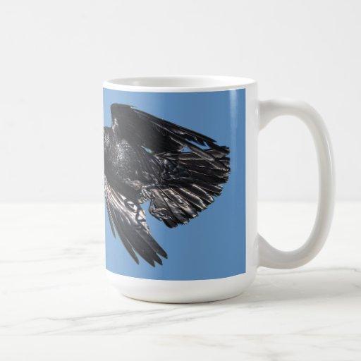 Diseño negro 7 de la foto del Cuervo-amante del cu Taza Básica Blanca