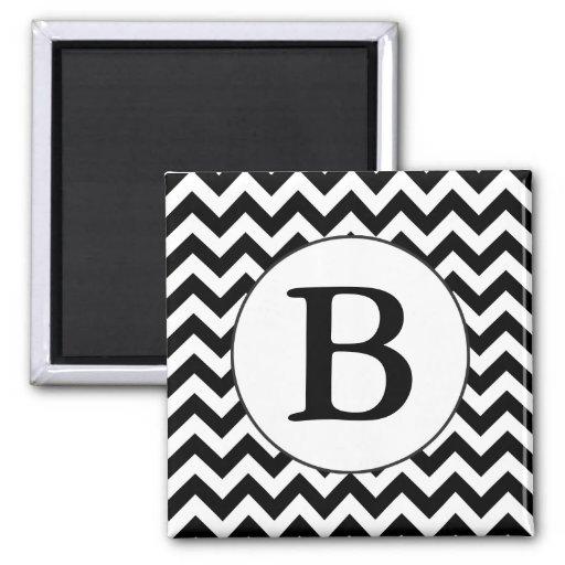 Diseño negro grande con monograma de encargo de iman para frigorífico