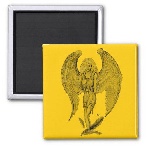Diseño negro y amarillo del ángel imán cuadrado