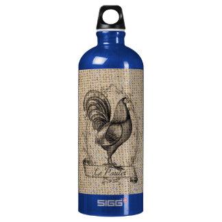 diseño negro y gris rústico del gallo en la botella de agua