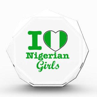 Diseño nigeriano de los chicas