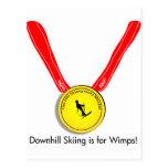Diseño olímpico divertido del esquí alpino tarjeta postal
