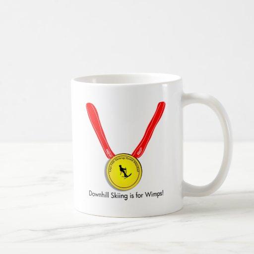 Diseño olímpico divertido del esquí alpino tazas de café