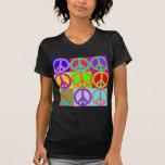 Diseño ondulado del signo de la paz camiseta