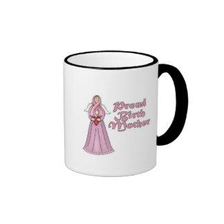 Diseño orgulloso del ángel de la madre de nacimien taza de café