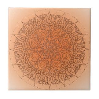 Diseño oriental anaranjado bonito azulejo cuadrado pequeño