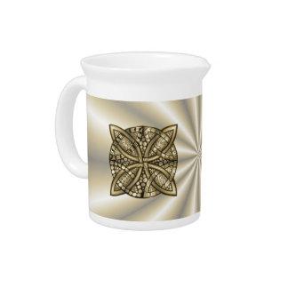 Diseño original del nudo céltico del oro jarras para bebida