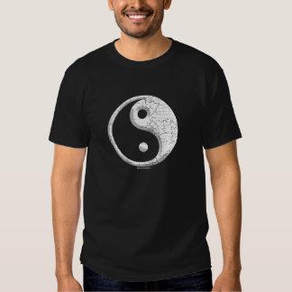 Diseño oscuro de la camiseta de Yin Yang Polera