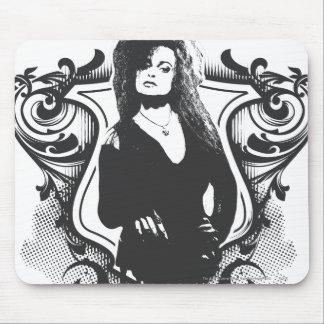 Diseño oscuro de los artes de Bellatrix Lestrange Mouse Pads