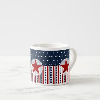 Diseño patriótico de la bandera americana de las b taza espresso