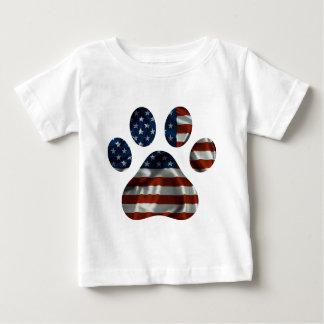 Diseño patriótico de la pata del perro playera de bebé