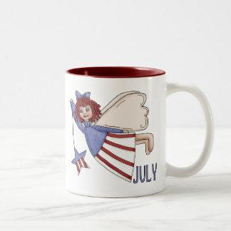 Diseño patriótico del verano del ángel de julio taza de café de dos colores