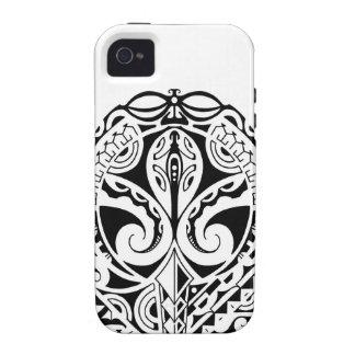 Diseño polinesio del tatuaje de la máscara Case-Mate iPhone 4 fundas