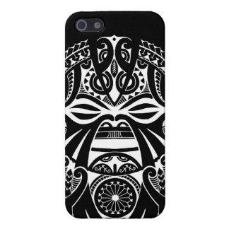 Diseño polinesio tribal del tatuaje de la máscara  iPhone 5 protectores