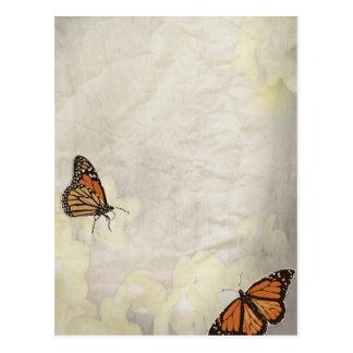 diseño precioso de los butterlies del monarca postales