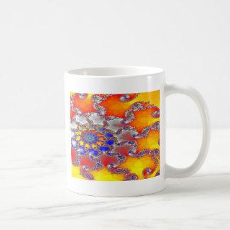 Diseño psicodélico del remolino del fractal en taza